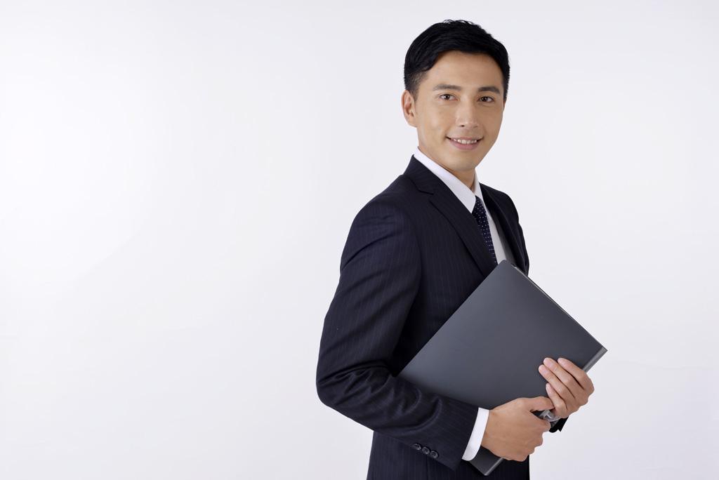 提案する営業マン